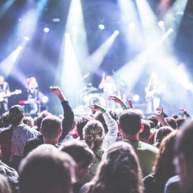 Stream Nederlandse artiesten vaker en support your locals. Beeld: Pexels